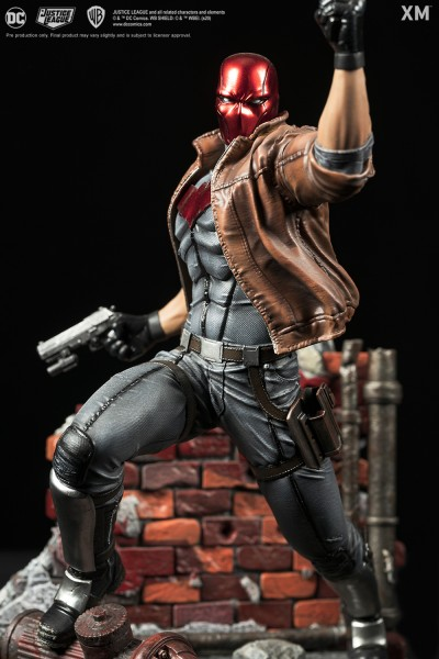 Red Hood - Rebirth (Display Plaque included)